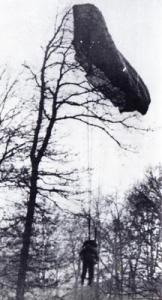 Centenas de Paraquedistas foram atingidos antes mesmo de chegarem ao solo