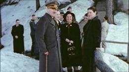 Berchtesgaden - Depois da derrota na URSS Hitler descansa Berchtesgaden. No meio Magda Schneider, mãe de Romy Schneider.