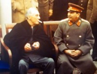 Stálin, pressionará os demais Aliados para abir um novo Front
