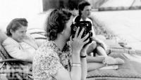 Eva Braun faz filmes com câmaras de 16mm. Os filmes rodados por Eva são muito valiosos para os historiadores
