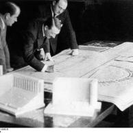 Albert Speer, Adolf Hitler, Architekt Ruff