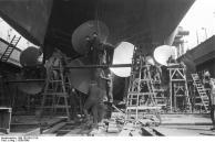 Vista das hélices do navio do Bismarck, 1939-1940