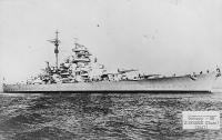 Encouraçado alemão Bismarck, por volta de agosto 1940, foto 2 de2