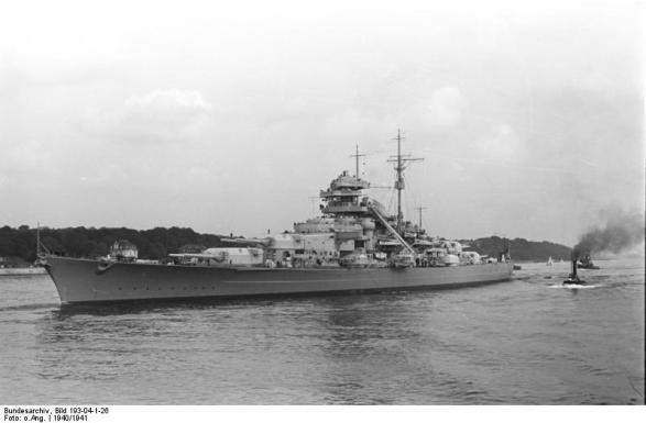 Battleship Bismarck no porto de Blankenese, Hamburgo, Alemanha, 1940-1941