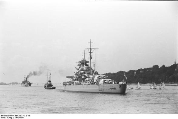 Battleship Bismarck no porto, 1940-1941, foto 1 de 3