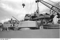 Recebendo canhões de 10,5 centímetros Battleship Bismarck e armas antiaéreas, 1940-1941