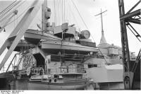 Porto do motor lado lançamentos de navio de guerra Bismarck, 1940-1941