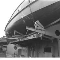 Lado do motor de estibordo lançamentos de navio de guerra Bismarck, 1940-1941