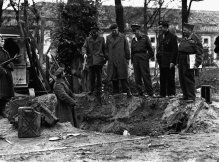 Cratera onde os corpos foram encontrados