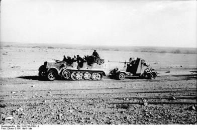 Nordafrika, Zugkraftwagen mit Flak