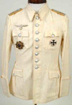 Tunica de um Capitão de Artilharia bc054bdecf38f