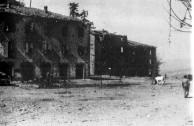 Vista parcial de Montese após ataque