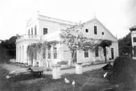 O palacete do século XIX, que pertenceu ao Dr. Augusto Frederico de Oliveira, filho do Barão de Beberibe tornou-se sede própria do Museu do Estado de Pernambuco a partir de 1940.