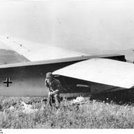 Kreta, Lastensegler DFS 230, Fallschirmjäger