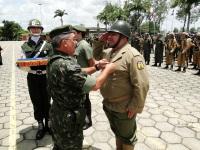 PE Christo da ASSPEx - Recebe Medalha Aspirante Mega das mãos do General Aguidar
