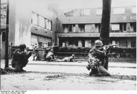 Mannheim, US-Truppen im Straßenkampf