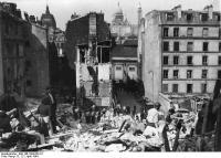 Paris,Trümmerbeseitigung nach Bombenangriff