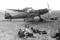 Im Westen, Feldflugplatz mit Me 109