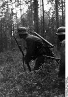Russland, Infanteristen imWald
