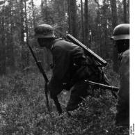 Russland, Infanteristen im Wald