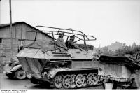 Frankreich, Schützenpanzer mitFunkanlage