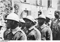 Kriegsgefangene französische Kolonialsoldaten