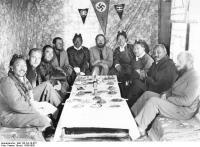 Tibetexpedition, Empfang fürWürdenträger