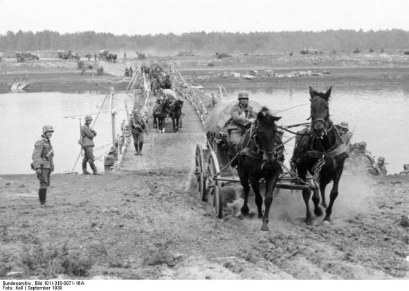 Polen, bespannte Einheiten bei Flussüberquerung