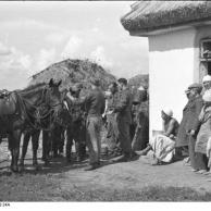 Sowjetunion, Verbinden eines verletzten Reiters
