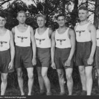 ginástica...com uniforme da equipe feminina