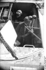 Russland, Soldat in gepanzertem Fahrzeug