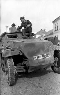 Balkan, Soldaten auf Schützenpanzer