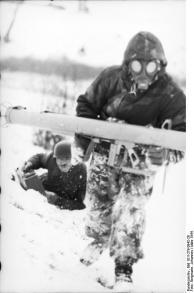 Russland, Soldaten mit Panzerabwehrwaffe