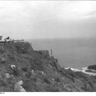 Guernsey, Entfernungsmessgerät auf Klippe