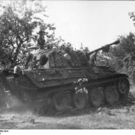 """Frankreich, Panzer V """"Panther"""" im Gelände"""