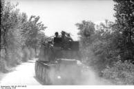 Italien, Panzer auf Landstraße