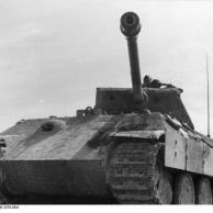 Im Westen, Panzer V (Panther)