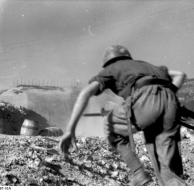 Italien, vorstürmende italienische Soldaten