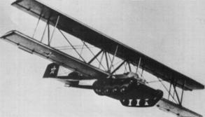 Antonov KT - Em vez de carregar tanques nos aviões, como fizeram alguns países, os soviéticos instalaram asas em tanques T-60 e os rebocaram com a ajuda de bombardeiros Tupolev TB-3. Foram usados pela primeira vez em 1940, na ocupação da Bessarábia, onde planavam até o solo e usavam as esteiras como trem de pouso (bastando apenas manter o câmbio em ponto morto)