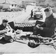 Balkan, Panzersoldaten auf Sturmgeschütz