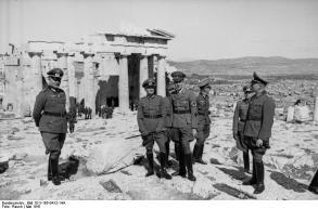 Griechenland, v. Brauchitsch auf der Akropolis