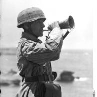 Kreta, Fallschirmjäger bläst Signalhorn