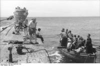 U-Boot U-107 in See,Rettungsboot