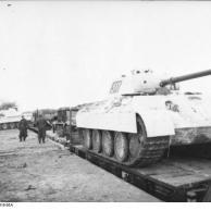 Russland, Eisenbahntransport Panzer V (Panther)
