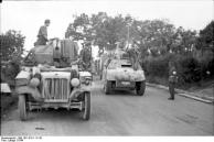 Italien, Halbkettenfahrzeug mit Flak, Spähpanzer