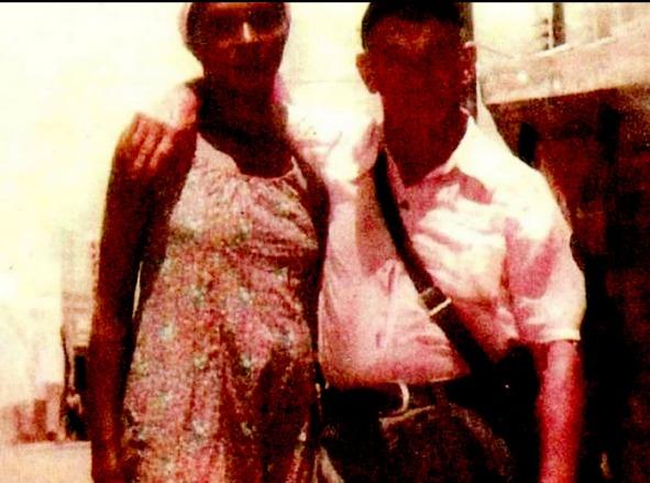 """""""Hitler"""" e sua esposa"""