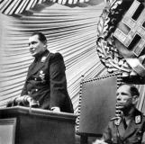 O Presidente do Reichstag Marechal Hermann Goering, abre a sessão históric a com uma pequena declaração as 10 horas da manhã da sexta-feira. A Invasão da Polônia iniciara as 4:45 daquele dia.