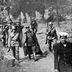 Resistência polonesa é quebrada, começa a rendição