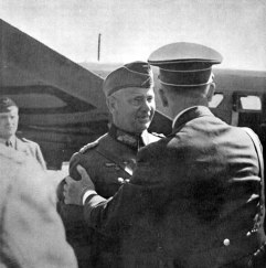 Hitler cumprimenta o General de Artilharia von Reichenau